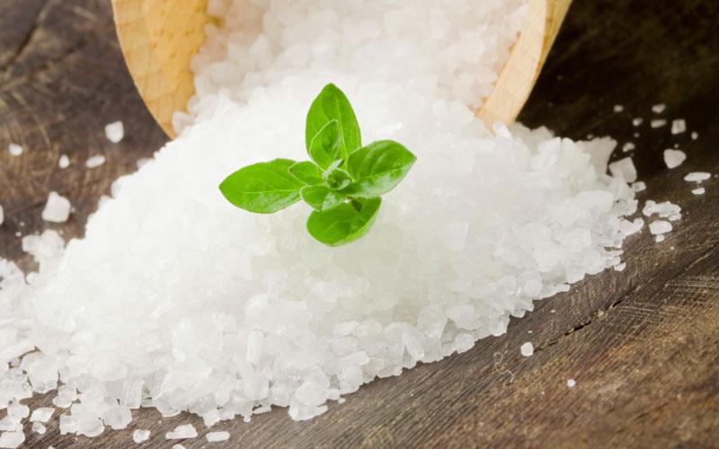 Il sale nell'acqua della pasta, quanto e quando?